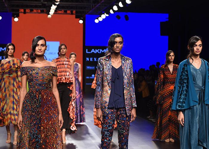 Urvashi Joneja, Lakme Fashion Week, Lakme Fashion Week Winter Festive 2017, Fashion, Designers, Runway, LFW,