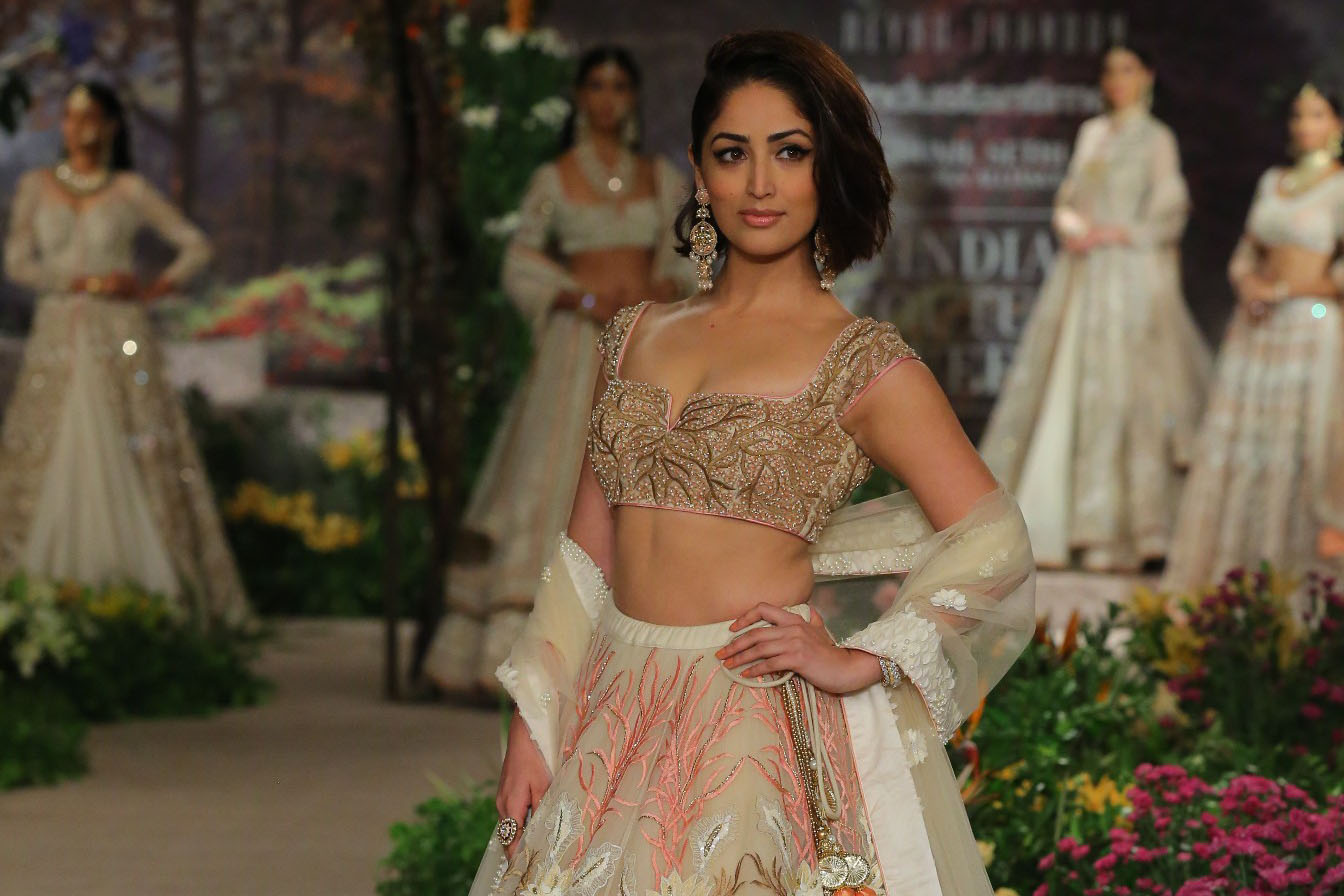 Couture, Fashion, Featured, ICW 2018, India Couture Week, India Couture Week 2018, Online Exclusive, Reynu Tandon, Rohit Bal, Style, Yami Gautam