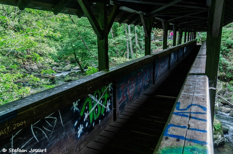 graffiti op de brug