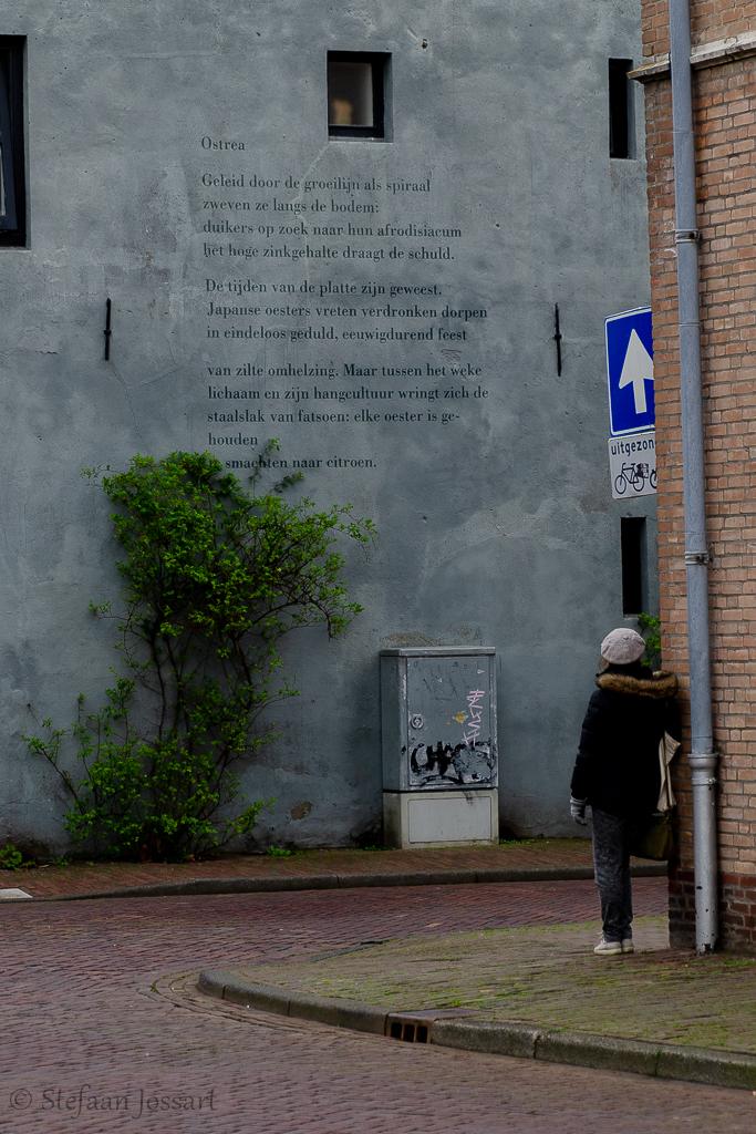 Straatpoëzie in Middelburg.