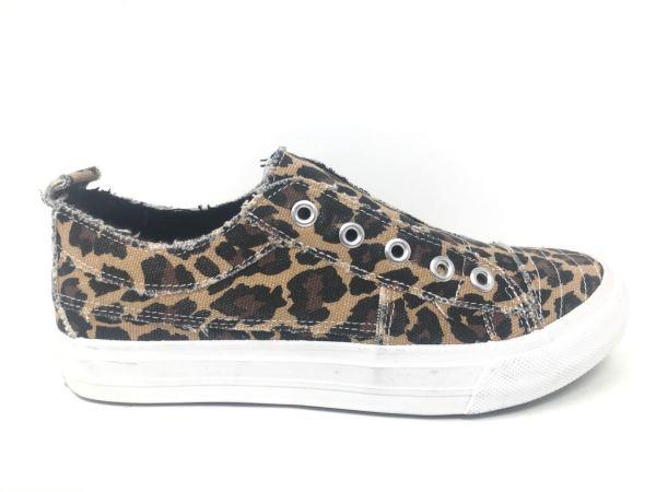 Playful_Leopard