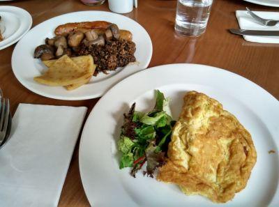 crowne-plaza-edinburgh-breakfast