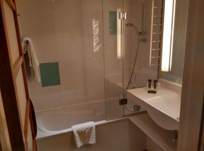 novotel-southampton-bathroom