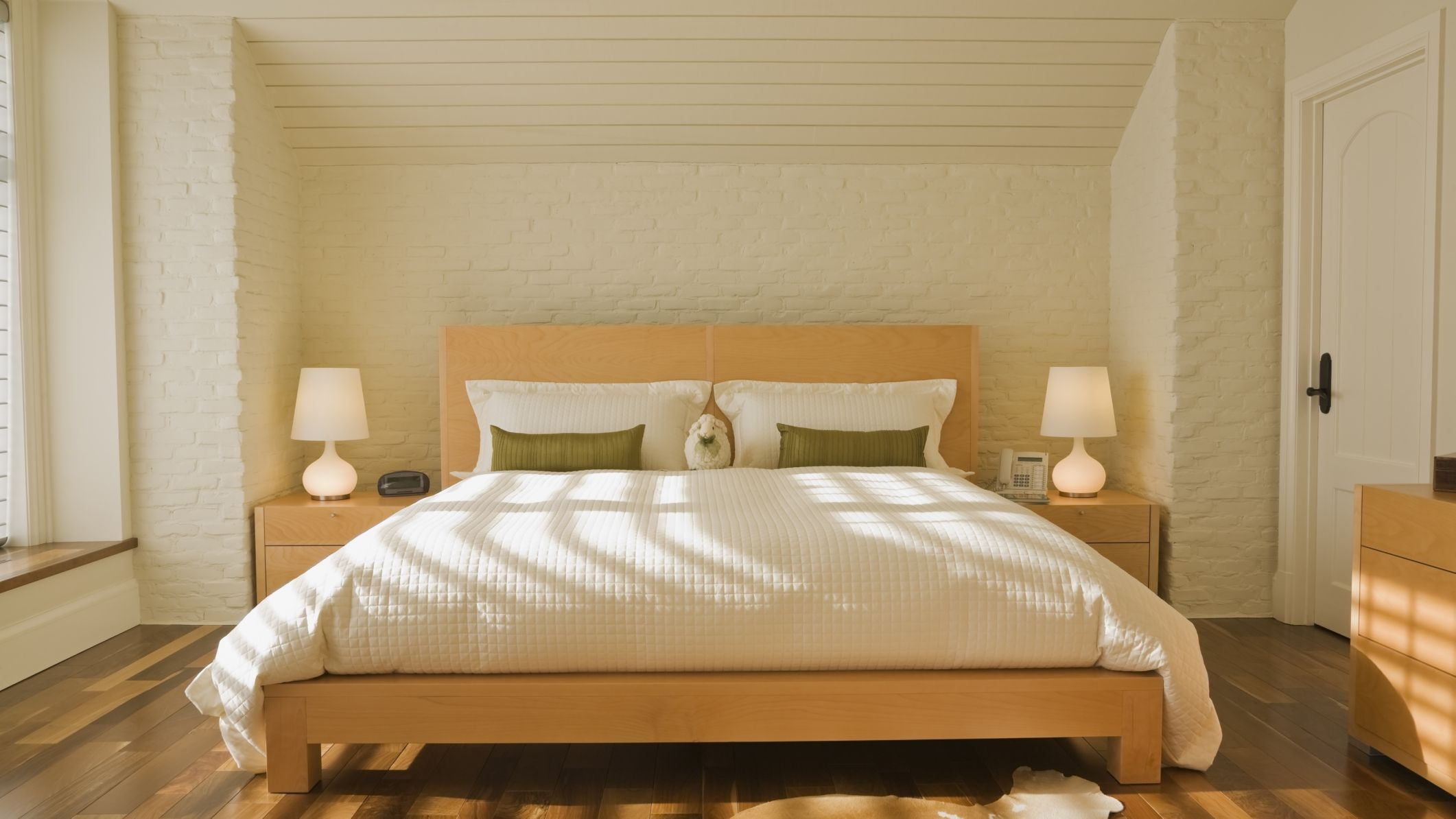 28/03/2020· here are 3 best feng shui bedroom layouts #1 feng shui bedroom layout. Creating The Ideal Bedroom According To Feng Shui