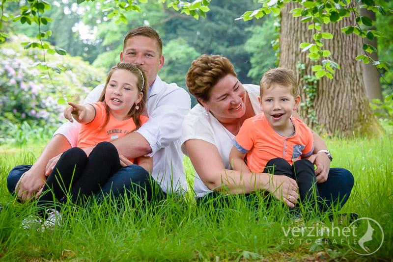 familieportret-diepenheim-verzinhet-fotografie-newlife-photography-marian-waanders-van-der-kolk-markelo-MVDK-20170603-1643