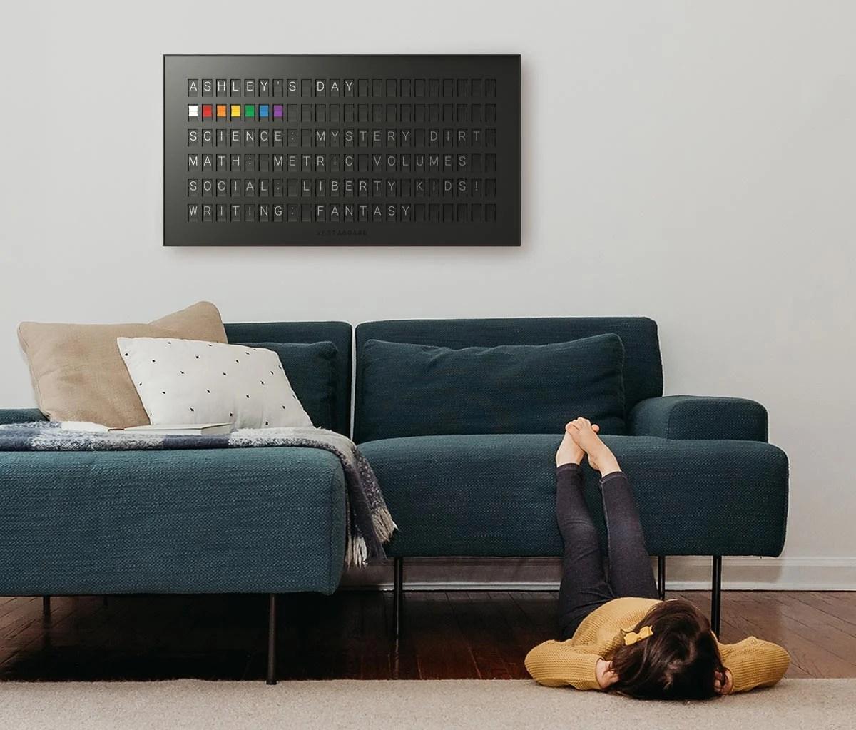 vestaboard-calendar-sq-1