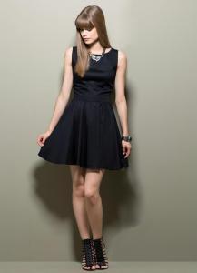 vestido gode com decote nas costas preto