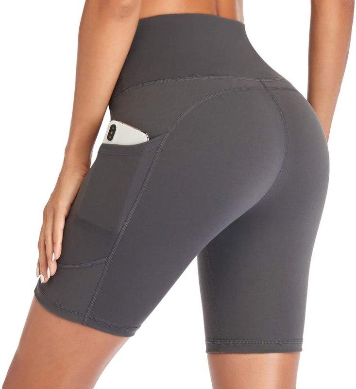 Acquista su Amazon Gimdumasa Pantaloncini Running Donna a Vita Alta Leggins Shorts con Tasche Laterali Corsa