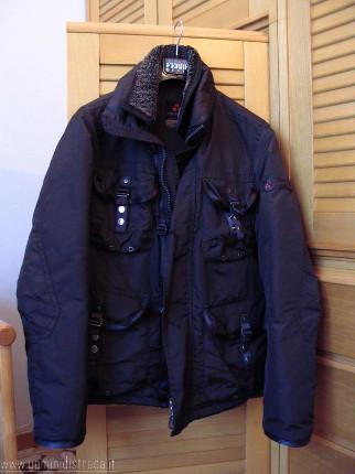detailed look 29751 94989 Come riconoscere le giacche originali Peuterey - Vestiti Moda