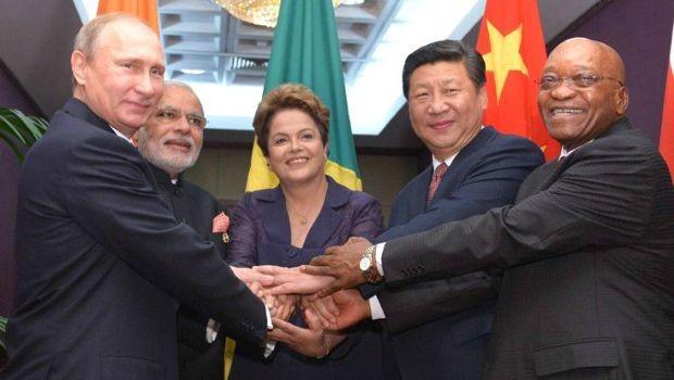 """Rousseff ha sido eliminado a través del """"lavado de coches"""" y otra """"revolución de color."""" Se están haciendo intentos para acusar Jacob Zuma. Los líderes del BRICS restantes pueden esperar ataques de todos los sectores"""