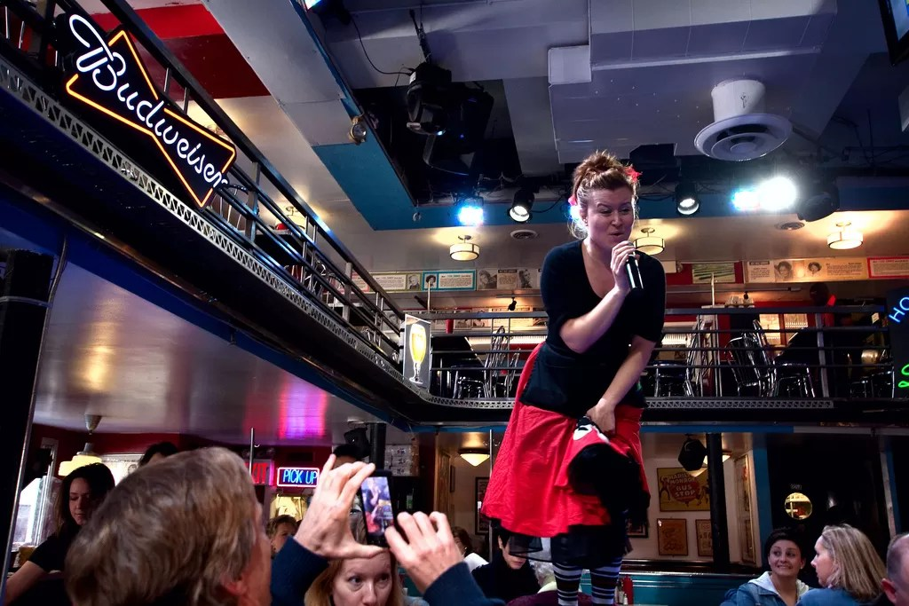 Hotspot: Ellen's Stardust Diner in New York City