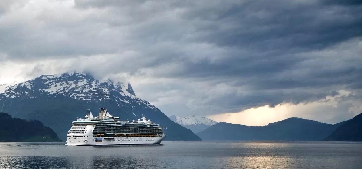"Cruise-expert: ""opgelegde quota kan overtoerisme tegengaan"""