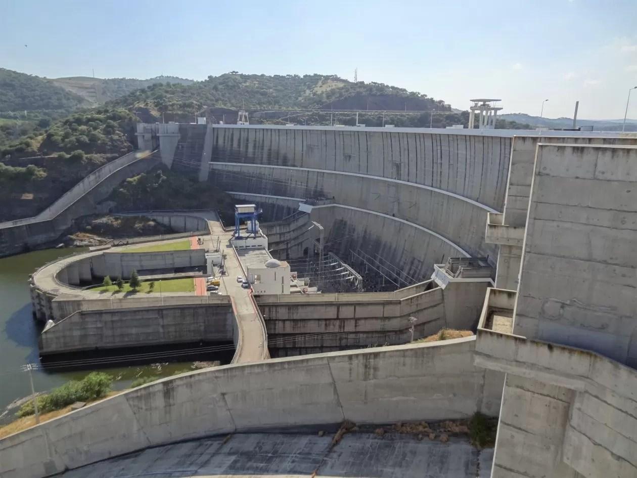 Blz9 – Alqueva-dam1