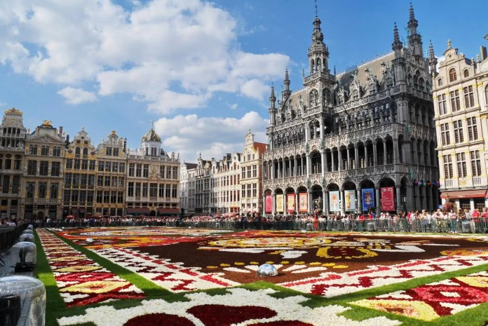 grand place 3614619 1920