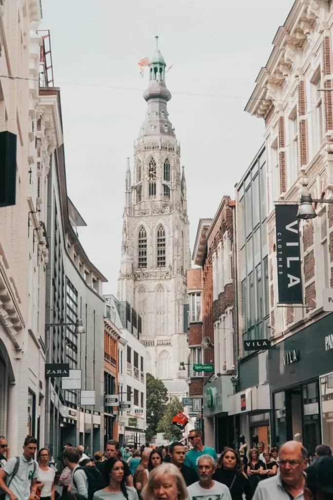 kerk in breda winkelstraat