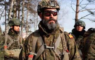Patrulla antes de embarcar Curso paracaidista EPA en Ukrania. VetPac
