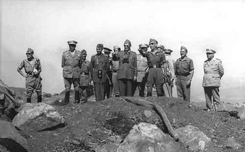 El capitán general de Canarias López Valencia presenció la Operación Pegaso desde el Buyarifen