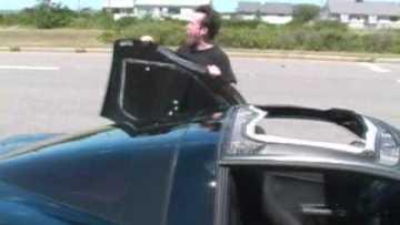 C6 Corvette Z06 Roof Removal – Interesting Procedure