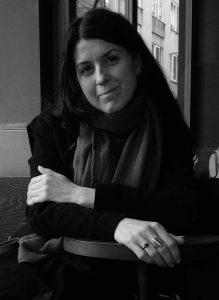 Editör, şair ve çevirmen Zarife Biliz.