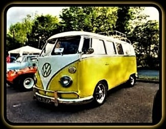 Yellow Yubmarine - Volkswagen Bus