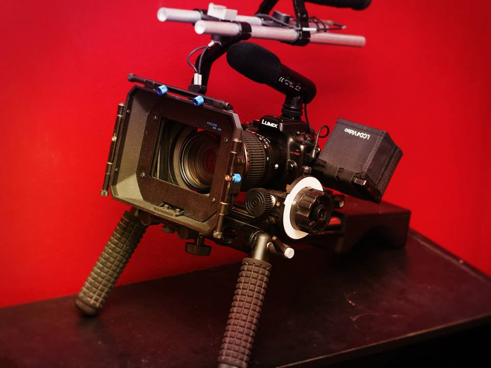 Why the Sirui P-204S Monopod  is more flexible than a shoulder rig? [Video]