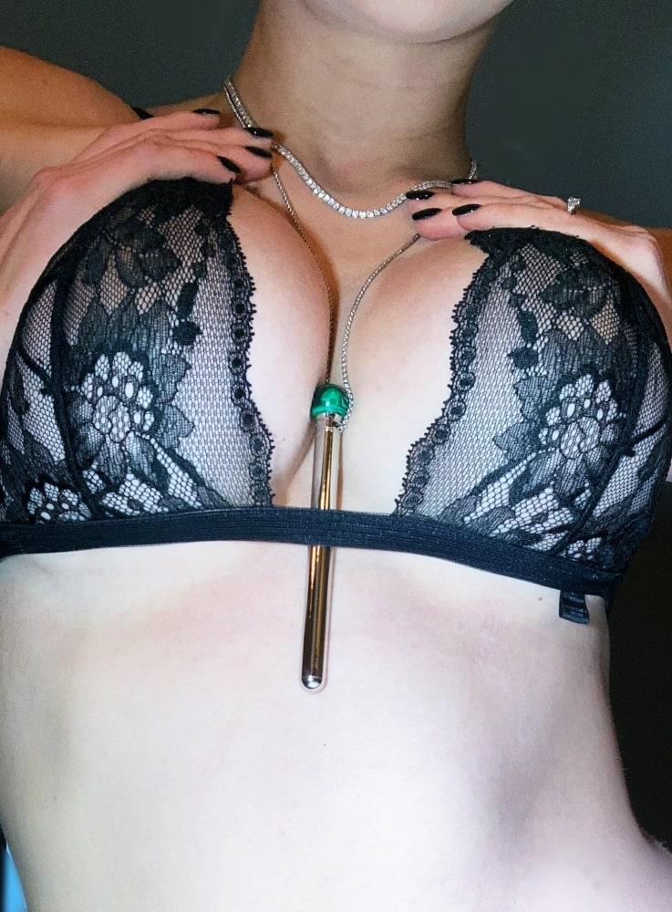 Minerva vibrating necklace