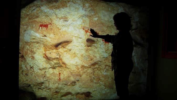 """We hunters"" – interactive digital experience at the ""abrics de l'ermita"" center for the interpretation of rock art (Ulldecona, Catalonia)"