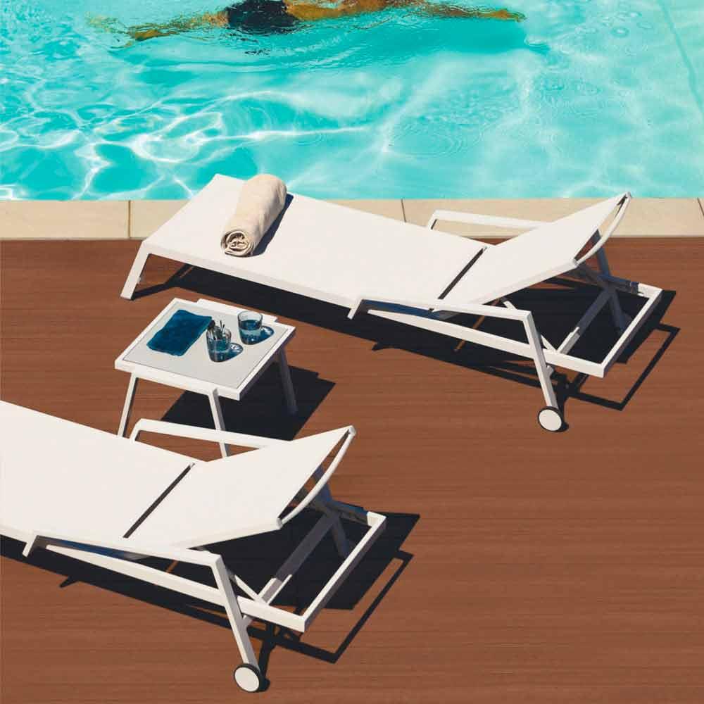 bain de soleil d exterieur en aluminium avec roues et accoudoirs design moderne carmine