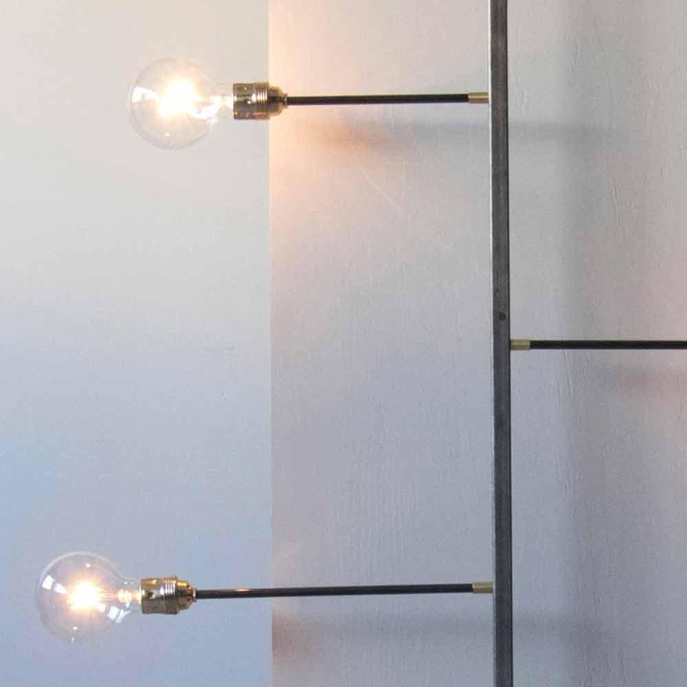 Karman offre un'ampia scelta di lampade da parete di design capaci di accompagnare ospiti e osservatori lungo un percorso emozionale senza. Lampada A Muro Artigianale In Ferro Con 3 Luci Made In Italy