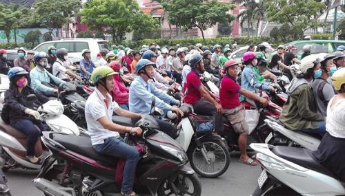 ベトナム ホーチミン バイカー 交通渋滞