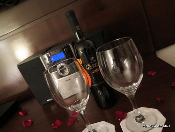 Uma boa música + um bom vinho = combinação perfeita!