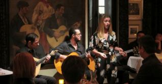 Onde assistir fado em Lisboa: Adega Machado