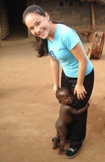 Essa é a Paola, em Uganda