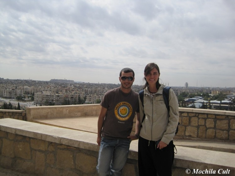 Haya e eu prontos para começar o dia de tour por Aleppo