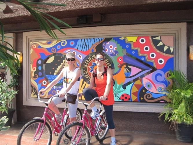 Pedalando pelas ruas de Merida com a minha amiga Cecilia