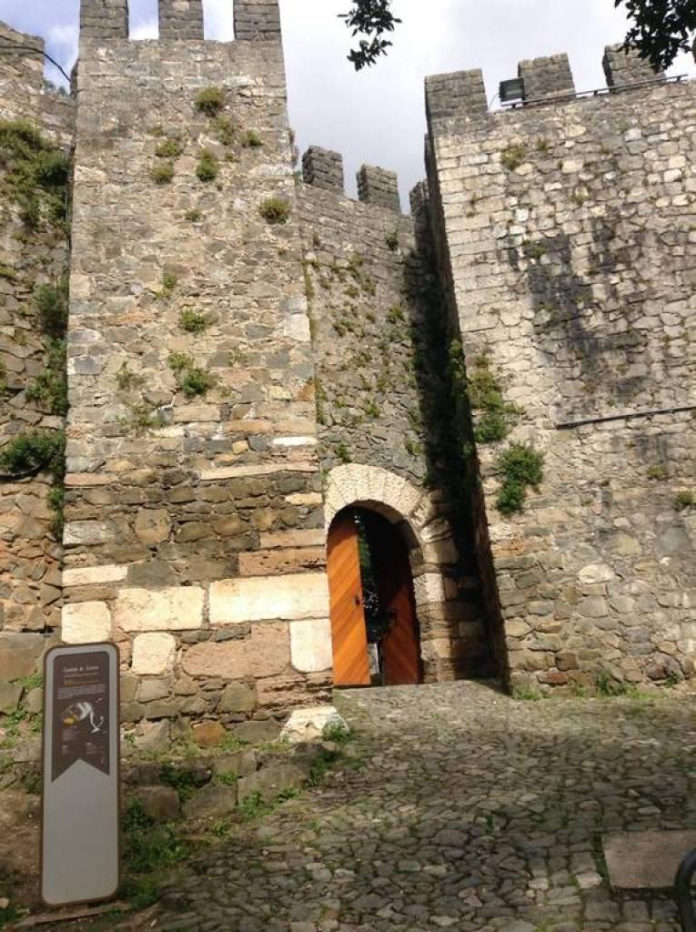 Entrada principal do Castelo de Leiria