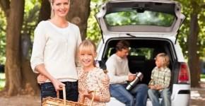 Noleggia l'auto per la vacanza anche con i bambini