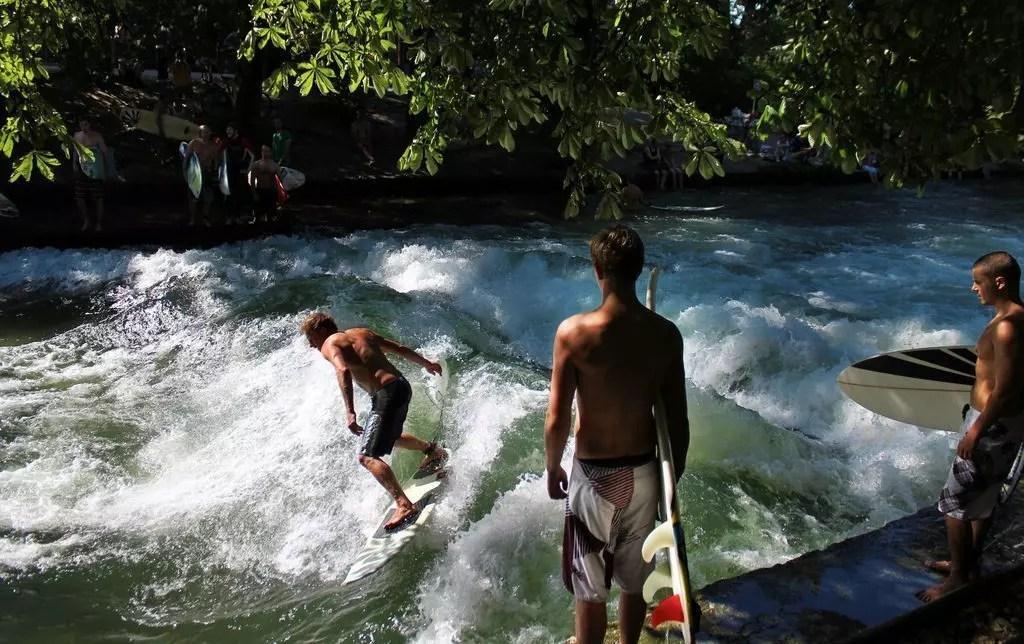monaco-surf
