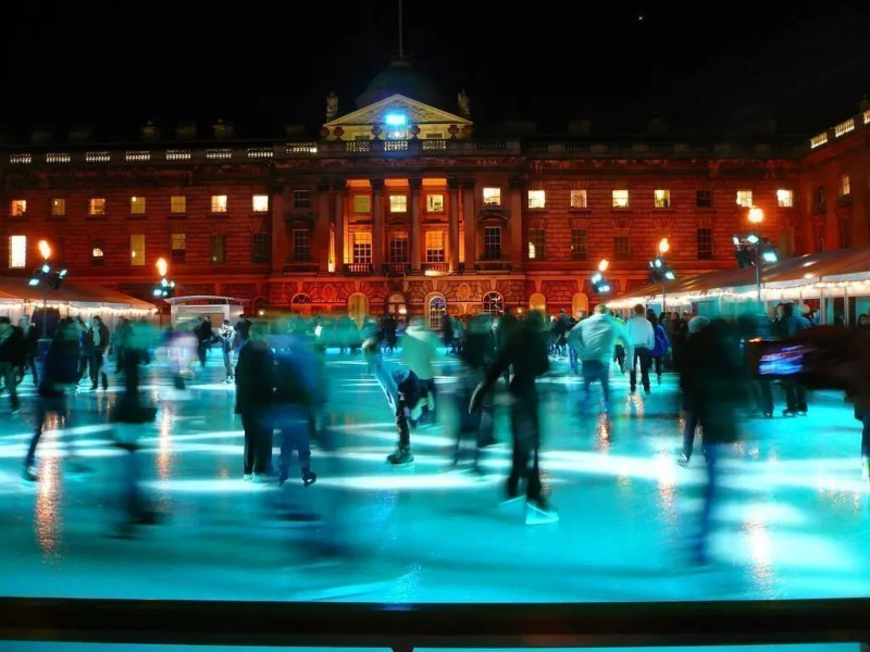 londra-ice-rink-sommerset-house
