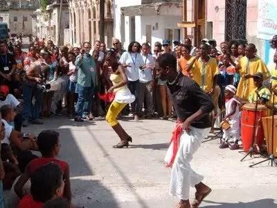 Voli per Cuba, in viaggio con la musica
