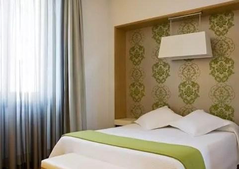 NH Hotel, beati gli ultimi perché risparmiano