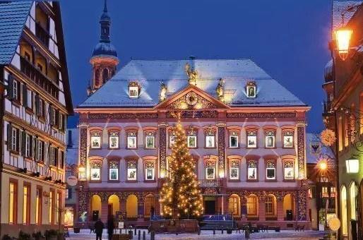 I Calendari dell'Avvento a Natale grandi come palazzi