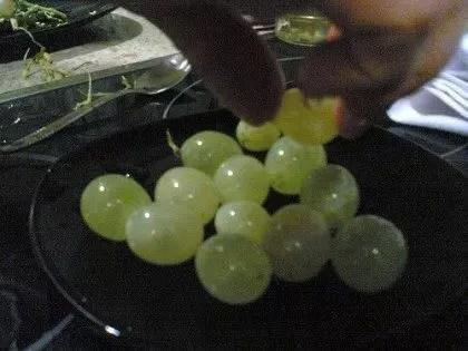 La tradizione dei chicchi d'uva a Barcellona per Capodanno
