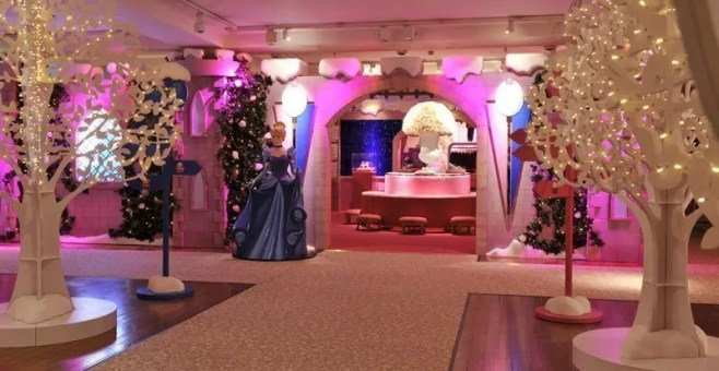 Harrods a Natale a Londra e la pop up boutique di Walt Disney