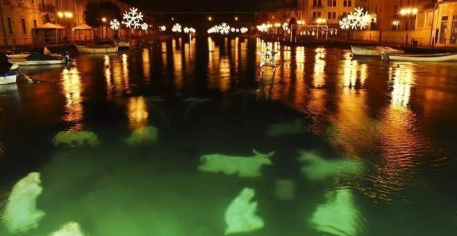 Il Presepe immerso nel lago di Peschiera del Garda
