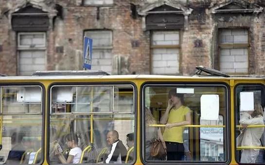Come muoversi a Varsavia: collegamenti aeroportuali, metro, treno e bus