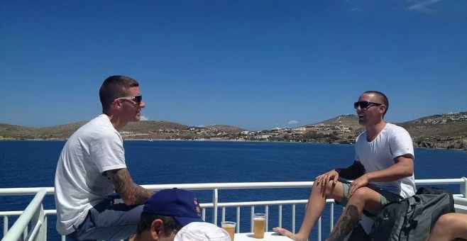 Spostarsi in traghetto da Mykonos a Paros fino a Santorini