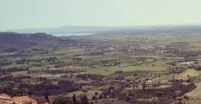 Cortona, tra la Val di Chiana ed il buon vino