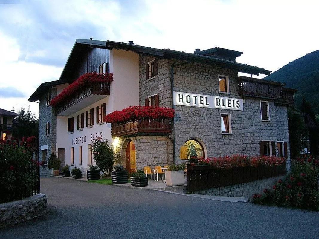 hotel-bleis-adamello