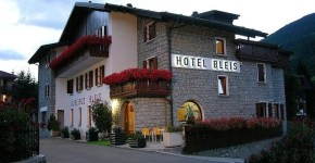 Hotel Bleis, dormire ad Adamello Ski